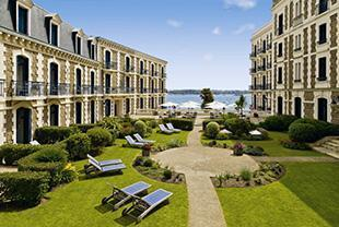 Drive into Dinard! – Hotel Barriere Le Grand Hotel
