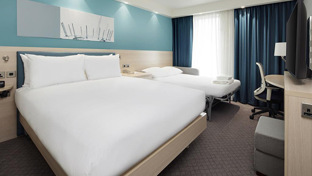 Hampton by hilton docklands 03