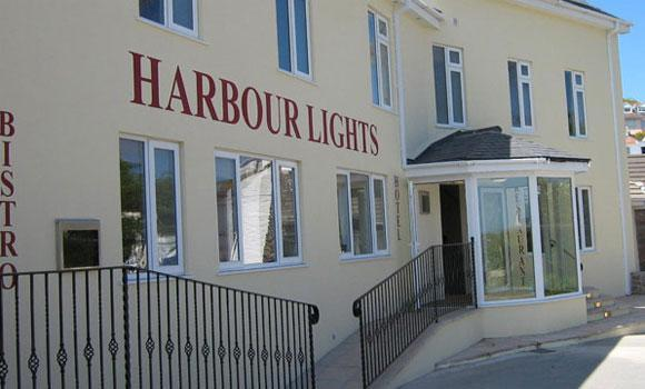 Harbour lights 01
